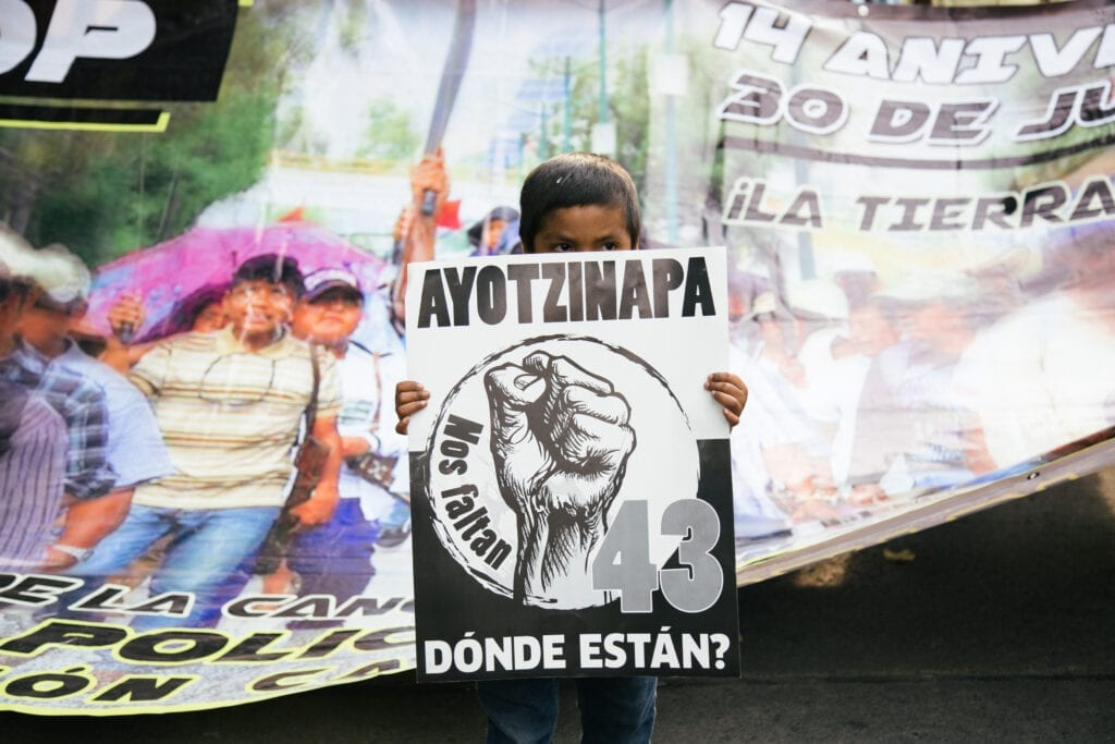 Protest for Ayotzinapa third anniversary